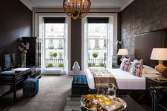 If you like stylish bedrooms and trendy atmospheres then these handpicked boutique hotels in Edinburgh are for you.