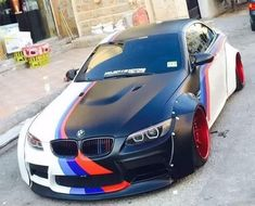 BMW white black ///M stripe deep dish widebody slammed Bmw Z8, 3 Bmw, E92, Bmw M Series, Bmw Motors, Top Luxury Cars, Bmw Love, Car Wrap, Bmw Cars