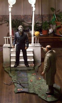 NECA Halloween Michael Myers & Dr. Loomis Diorama Statue Set