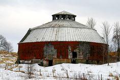 round barns   Vermont round barn   Barns