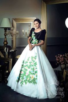 LOOK: The Bb Pilipinas 2017 candidates in stunning national costumes Modern Filipiniana Gown, Filipiniana Wedding, Wedding Dress, Elegant Dresses, Vintage Dresses, Formal Dresses, Philippines Dress, Philippines People, Oriental Fashion