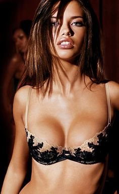Adriana Lima so perfect with her big boobs, curvy body and perfect face! GOSH!
