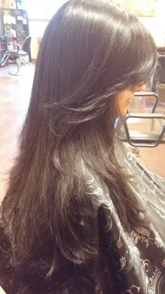 Hair Correction Salons, How To Find Out, Long Hair Styles, Beauty, Lounges, Long Hairstyle, Long Haircuts, Long Hair Cuts, Beauty Illustration