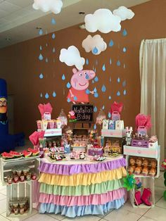 Peppa pig Peppa Pig is actually a United kingdom preschool super-hero television sequence guided in Third Birthday, 4th Birthday Parties, Pepper Pig Party Ideas, Peppa Pig Birthday Decorations, Invitacion Peppa Pig, Bolo Da Peppa Pig, George Pig Party, Picnic Recipes, Picnic Ideas