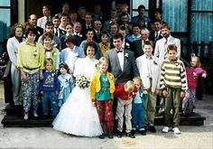 Everything about your wedding is supposed to be perfect. which is exactly why it's so funny to photobomb wedding pictures. We've already treated you. Wedding Photo Fails, Wedding Fail, Funny Wedding Photos, Before Wedding, Wedding Videos, Wedding Humor, Wedding Pictures, Wedding Album, Funny Baby Pictures