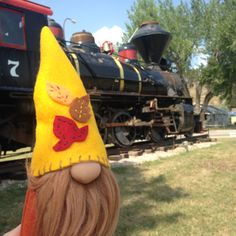 Time for the gnome to ride an 1880's through the mountains!
