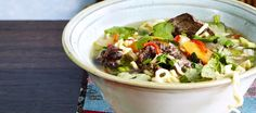 Vietnamilainen pho-keitto Asian Recipes, Ethnic Recipes, Fusion Food, Pho, Soup Recipes, Chili, Cabbage, Food And Drink, Dinner