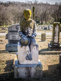 """""""Little Earle"""" Martin ~ Very nice detail on this monument, which interestingly faces away from the gravesite. Laurens City Cemetery, Laurens County, South Carolina #headstone #tombstone #gravestone"""