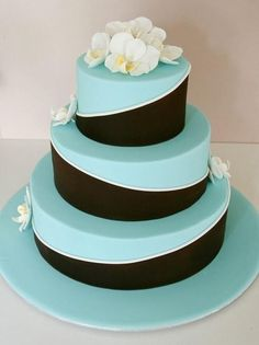 Weddbook is a content discovery engine mostly specialized on wedding concept. You can collect images, videos or articles you discovered organize them, add your own ideas to your collections and share with other people | 23 Elegant Tiffany Blue Wedding Cake Ideas