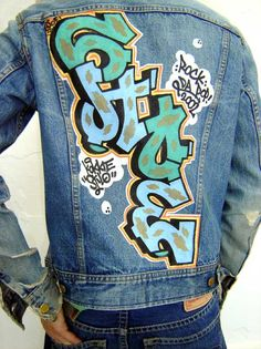 Graffiti Jackets – BESIDE COLORS Painted Denim Jacket, Painted Jeans, Urban Fashion, Fashion Art, Mens Fashion, Fashion Design, Printed Denim, Jackets For Women, Jacket Jeans