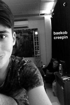 Baekob be creeping like Boy Bands, Funny Pictures, Boys, Music, Fanny Pics, Baby Boys, Musica, Musik, Funny Pics