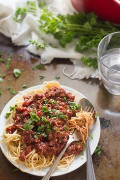 spaghetti-with-cauliflower-walnut-meat-sauce Veggie Recipes Healthy, Vegetable Recipes, Whole Food Recipes, Cooking Recipes, Vegetarian Dinners, Vegetarian Recipes, Vegan Vegetarian, Sauces, Meat Sauce Recipes