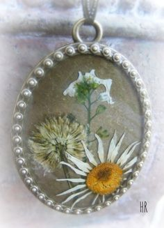 Tavaszi virágok Decorative Plates, Jewelry, Home Decor, Jewlery, Decoration Home, Jewerly, Room Decor, Schmuck, Jewels