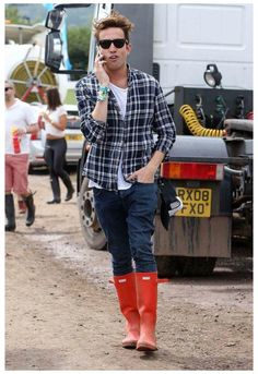 Mens Hunter Boots, Hunter Boots Outfit, Red Wellies, Hunter Rain Boots, Red Boots, Snow Boots, Lucky Brand, Hunter Wellington Boots, Red Guy