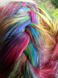 Hot hair chalk for girls www.loveitsomuch.com Hair Chalk, Spring Green, Red Poppies, Daffodils, Midnight Blue, Cool Hairstyles, Dreadlocks, Poppy Red, Awesome Hair