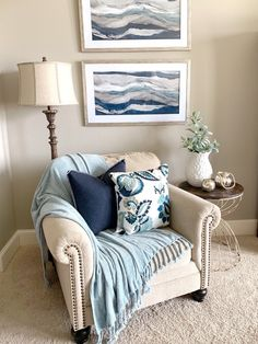 [ Cozy corners with blue accent decor- yes, please! Thanks to our brand ambassador… Cozy corners with blue accent decor- yes, please! Thanks to our brand ambassador, Stager Roz, for the inspo! ✨ Pin this for later when you're ready for a refresh! Small Recliners, Cozy Corner, Beach House Decor, Blue Home Decor, Beach Houses, Home Interior, Interior Livingroom, Interior Design, Kitchen Interior