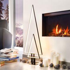 Puristische Weihnachtsbäume - LED-beleuchtete Baum-Silhouette aus Aluminium XMAS