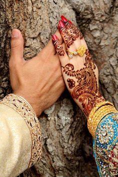 dulhan & dulha indian pakistani bollywood bride and groom desi wedding henna…