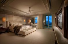 Contemporary Elegant Bedroom Ideas of Small Flat in Urban Area: Appealing View Of The Contemporary Bedroom With Wide Bed And Cream Quilt Nea. Relaxing Master Bedroom, Modern Master Bedroom, Master Bedroom Design, Contemporary Bedroom, Bedroom Designs, Bedroom Ideas, Master Bedrooms, Bedroom Wall, Contemporary Furniture