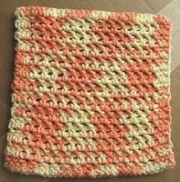 Free dish cloth pattern (I bet this would make a nice spa cloth too!)