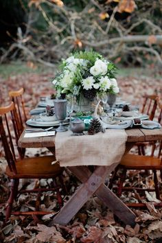 Romantic Woodland Wedding Table Settings The secrets to creating a lasting impression to guests are unique ideas for your wedding table setting. The table is one place your guests will be spending … Rustic Outdoor, Outdoor Dining, Outdoor Tables, Forest Wedding Reception, Wedding Bells, Outdoor Dinner Parties, Outdoor Entertaining, Dining Decor, Woodland Wedding