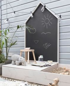 Design your own play house with chalk board and sand .- Gestalten Sie Ihr eigenes Spielhaus mit Kreidetafel und Sandkasten DIY Spielhaus mit … Design your own playhouse with chalkboard and sandbox DIY playhouse with …, - Kids Outdoor Play, Outdoor Play Areas, Kids Play Area, Outdoor Playground, Backyard For Kids, Diy For Kids, Kids Room, Playground Ideas, Kids Art Area