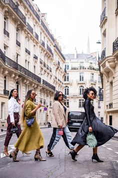 Black bloggers in Paris during Paris fashion week. What to wear to Paris and fall fashion trends.