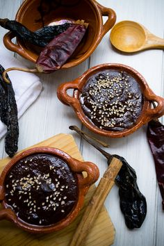 Mole Poblano Casero Accessed February 7, 2016 These recipes provide visuals of ingredients that  are included in traditional Mexican dishes.  It would be a great starting point for students investigating the origins of foods.