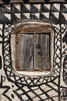 africa, gurunsi (kassena) window