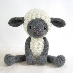 This written crochet pattern includes all the instructions needed to make your own cuddly toy sheep. Detailed instructions, many step-by-step photos and useful tips and tricks will make following the pattern easy for beginner crocheters as well.