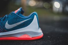 677e47ca166a 7 Best nike flyknit air images