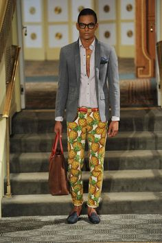 Pineapple pants and wine glass shirts - Michael Bastian's kitsch prints from yesterday's show are still on our mind @mbastiannyc