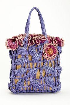 Вязаные сумки: богатство фантазии дизайнеров