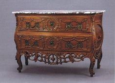 Rare Commode Provençale attribuée à Pierre Pillot