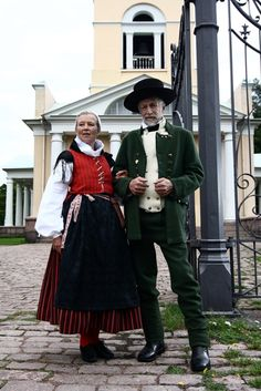 National folk costumes of Finland History Of Finland, Finnish Women, Folk Clothing, Folk Costume, Europe, Cotton Blouses, World Cultures, Traditional Dresses, Clothes For Women