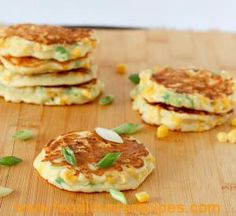 These savory corn cakes are easy to make and will be a perfect side to any southwest meal. We even ate them for breakfast! Onion Vegetable, Salad Recipes, Healthy Recipes, Corn Cakes, Best Breakfast, Brunch Recipes, Salmon Burgers, Vegetarian, Tasty