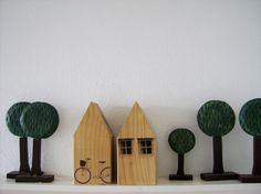 Motive aus dem Laserdrucker mit Transferflüssigkeit auf Holz übertragen. Auf Regalbretter oder ander Holzformen: Häuser