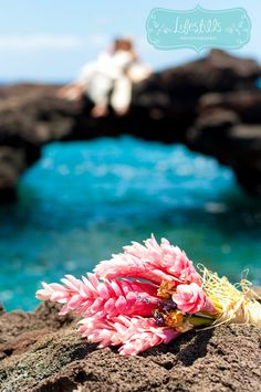 DIY Hawaiian Pink Ginger Bouquet, sea arch, wedding photography