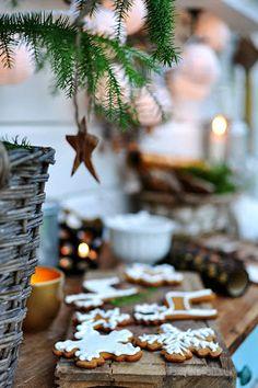 I love christmas Natural Christmas, Christmas Mood, Christmas Kitchen, Merry Little Christmas, Country Christmas, Christmas Baking, Christmas Biscuits, Woodland Christmas, Christmas Cookies
