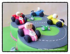 race car cake tutorial 레이싱카 케익 : 네이버 블로그 Car Cake Tutorial, Fondant Tutorial, Cake Designs For Kids, Race Car Cakes, Bird Cookies, Cake Craft, Cake Decorating Tutorials, Cakes For Boys, Sugar Art