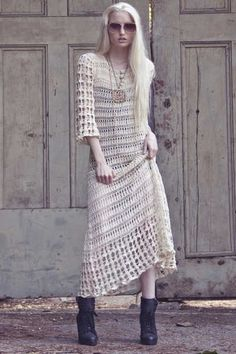 The shoes, sunglasses and jewelry take this vintage crochet dress straight into the twenty first century
