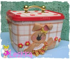 Cesta porta treco                                                                                                                                                                                 Mais Foam Crafts, Diy And Crafts, Crafts For Kids, Paper Crafts, Projects To Try, Lunch Box, Crafty, Gelato, Gifts