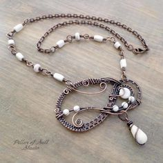 Asymmetrical woven wire copper bib necklace with beaded chain by Pillar of Salt Studio Copper Jewelry, Wire Jewelry, Jewelry Crafts, Jewelry Ideas, Wire Wrapped Necklace, Wire Wrapped Pendant, Wire Pendant, Pendant Jewelry, Octopus Jewelry