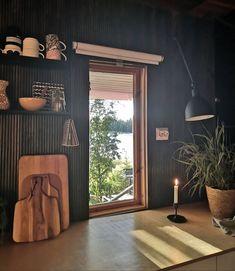 """Villa Sulona — Elina on Instagram: """"Keittiön ikkuna ja luonnonvalo 🧡 Mökin remontoidussa keittiössä on parasta vanha ikkuna, josta voi kurkistella järvelle. Vanha keittiö ei…"""" Curtains, Instagram, Home Decor, Blinds, Decoration Home, Room Decor, Draping, Home Interior Design, Picture Window Treatments"""
