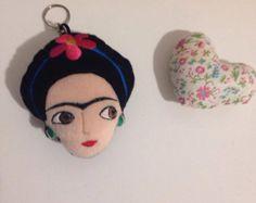 Amigurumis De Frida Kahlo : Frida kahlo amigurumi elo
