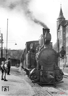 Breslau 1942 am Kleinbahnhof Breslau (am Schiesswerderplatz) Krauss Lokomotive mit einem Zug in Richtung Trebnitz und Prausnitz.