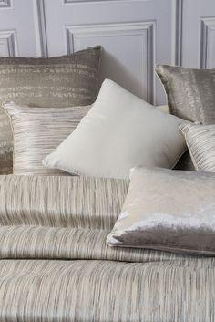 Más en www.lamallorquina.com Throw Pillows, Bed, Home, Duvet Covers, Home Decor, Beds, Yurts, Colors, Cushions