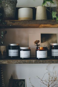 Not all candles are created equal. Float away in a Bohemian dream, this hand poured soy candle has top notes of mandarin, cassis and cardamom, heart notes of jasmine, lily, clove, amber and patchouli leading into a base of musk, vetiver, vanilla and sandalwood.