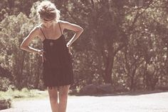 Find images and videos about girl, fashion and beautiful on We Heart It - the app to get lost in what you love. Gatsby, Fashion Beauty, Girl Fashion, Gypsy Fashion, 20s Fashion, Indie Fashion, Fringe Dress, Favim, Summer Of Love