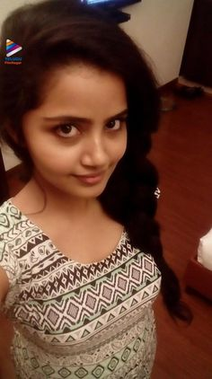 Anupama Recent selfie without makeup at home – Hot and Sexy Actress Pictures Beautiful Girl In India, Most Beautiful Indian Actress, Beautiful Women, Dehati Girl Photo, Indian Girl Bikini, Makeup At Home, Indian Girls Images, Girl Number For Friendship, Lovely Girl Image